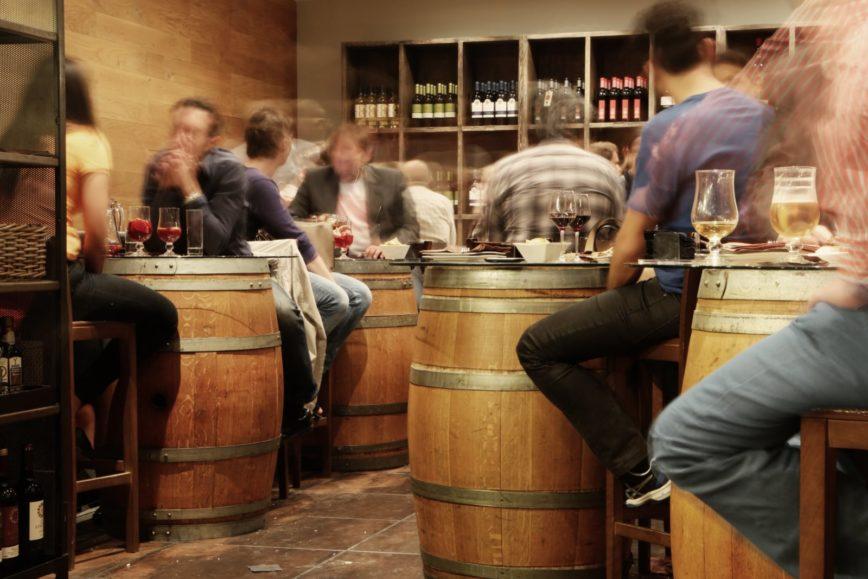 Stillende sollten auf Alkohol, Nikotin und Koffein verzichten